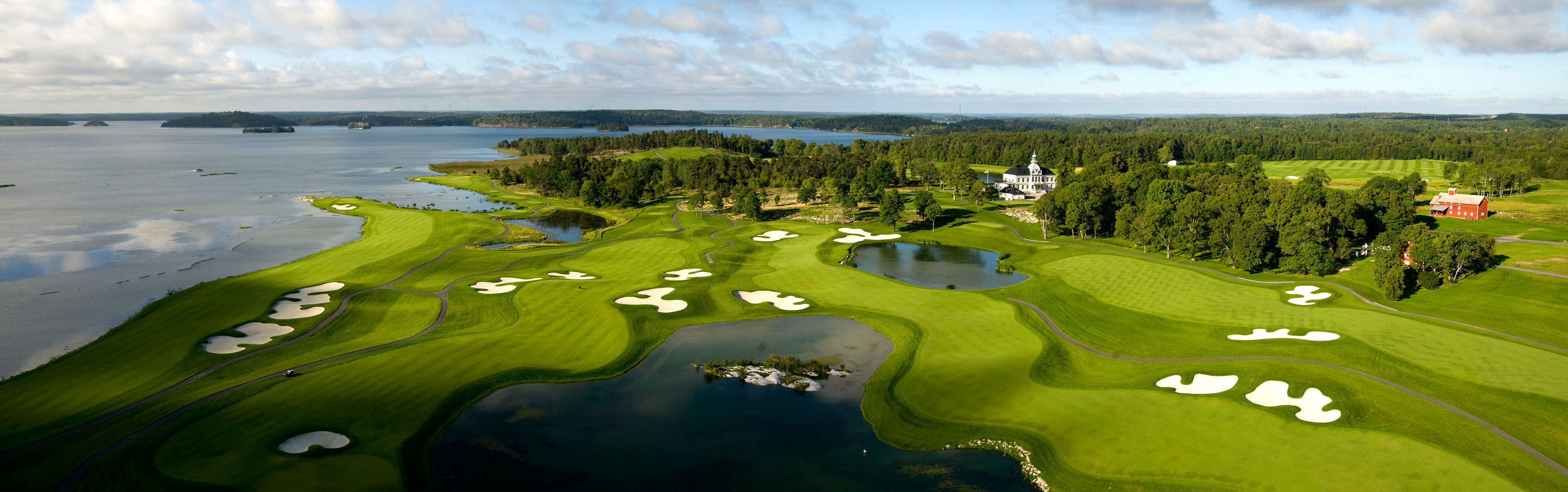 Bro Hof Slott panoramic view of Stadium Course and Club House (picture: Lennart Hyse)